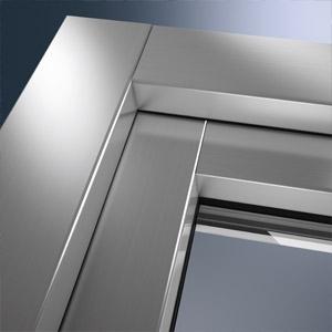 Eckansicht Kunststofffenster mit Aluminiumdeckschale
